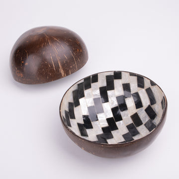 Black & White Shell Coconut Bowl