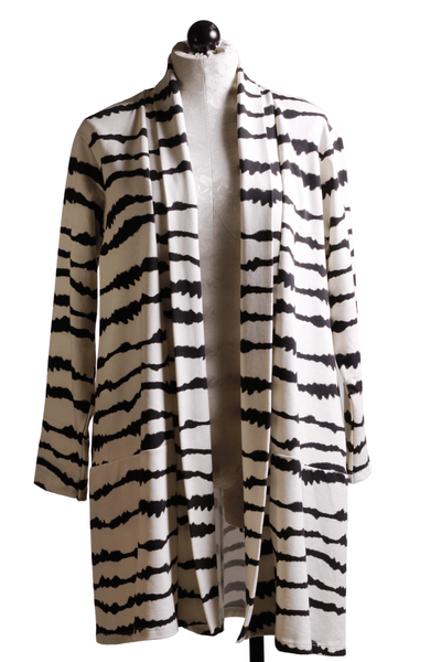 Baci Fashion Wave Striped Cardigan White Black 569375 - Inspire Me