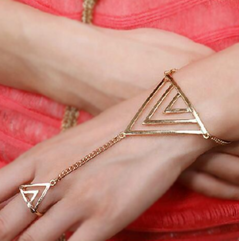 Triangle Finger Ring Bracelet - gonatag