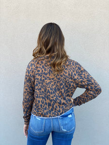 World Tour Leopard Cropped Pullover