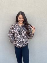 Load image into Gallery viewer, Sport Windbreaker- Leopard