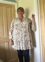 Load image into Gallery viewer, Leopard Print Tiered Smock Top