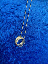 Load image into Gallery viewer, Circle Necklace