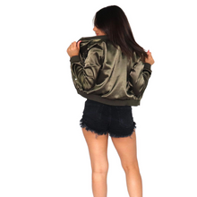 Load image into Gallery viewer, Olive lightweight zip front top, with pockets in polyester.