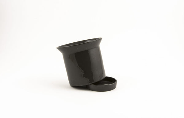 Large Fine Ceramic Pot with plate in Black