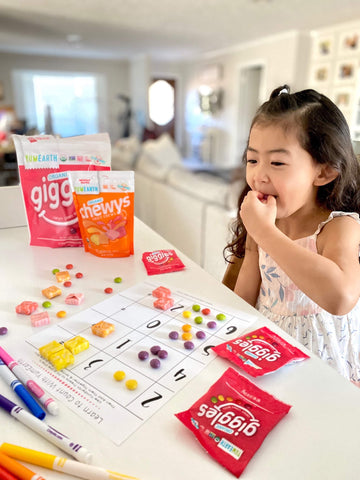 child enjoying organic giggles while learning about math