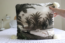 Load image into Gallery viewer, Swan Tassel Cushion