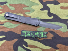 Load image into Gallery viewer, Heretic Manticore X Tanto DLC Black Handle