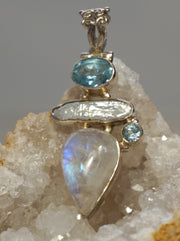 Moonstone Pendant 4 with Blue Topaz