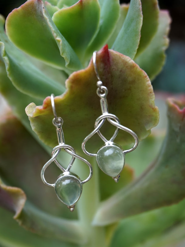 Prehnite Earring Set 2 with Love Knot