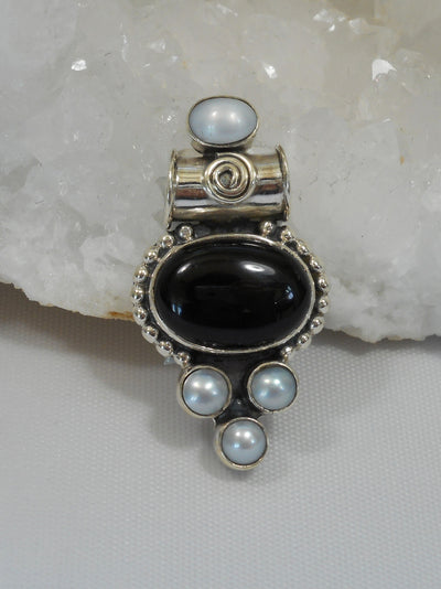 Black Onyx Pendant 2 with Pearls