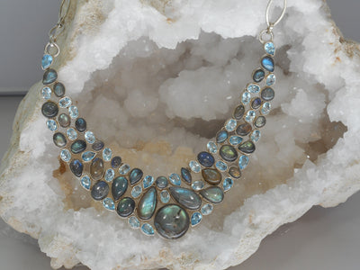 Blue Topaz and Labradorite Gemstones Collar 1