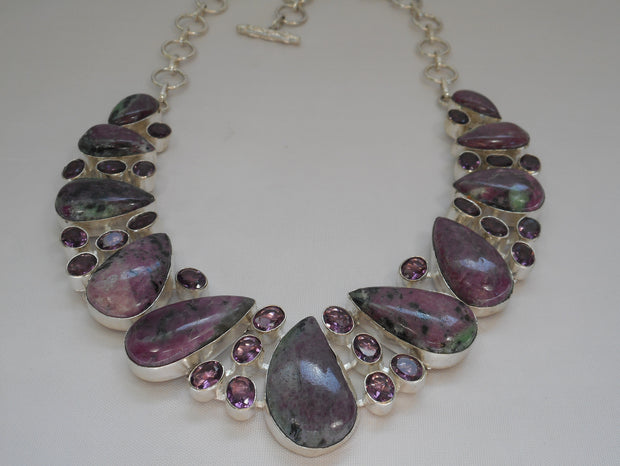 Ruby in Zoisite Gemstones Necklace with Amethyst Quartz