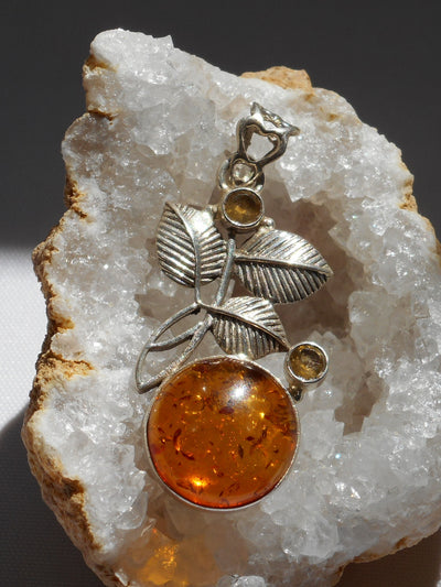 Amber Leaf Pendant 12 with Citrine Quartz