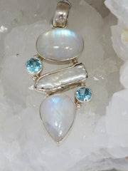 Moonstone Pendant 1 with Blue Topaz