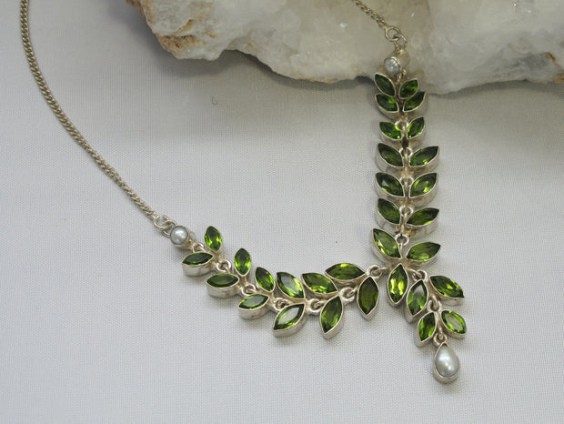 Delicate Peridot and Pearl Teardrop Necklace
