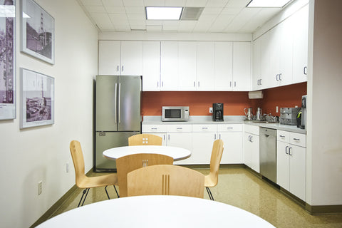 Raven Office Centers and Executive Suites at 388 Market Street in San Francisco | Kitchen and break area