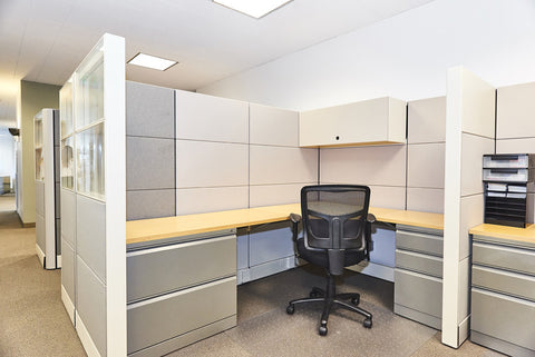 Raven Office Centers and Executive Suites at 388 Market Street in San Francisco | Dedicated Desk Semi-Private Workspace