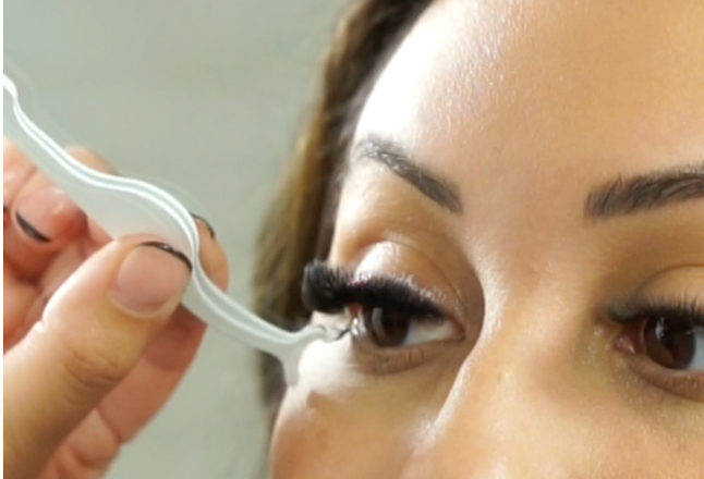 Load image into Gallery viewer, Cliques | Individual Designer Lash Compact w/ Top Line Magnets