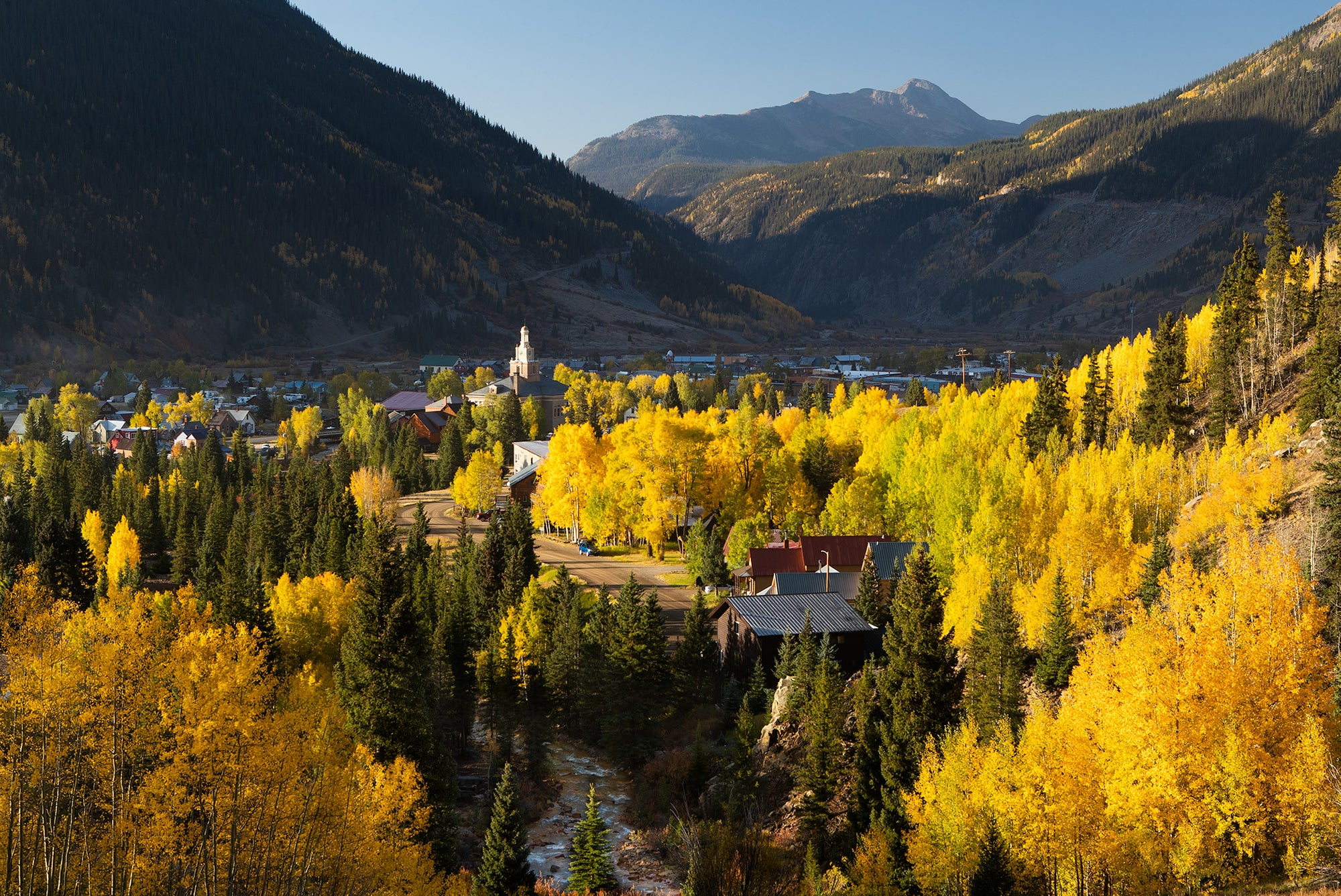 MOUNTAIN TOWN ASPENS