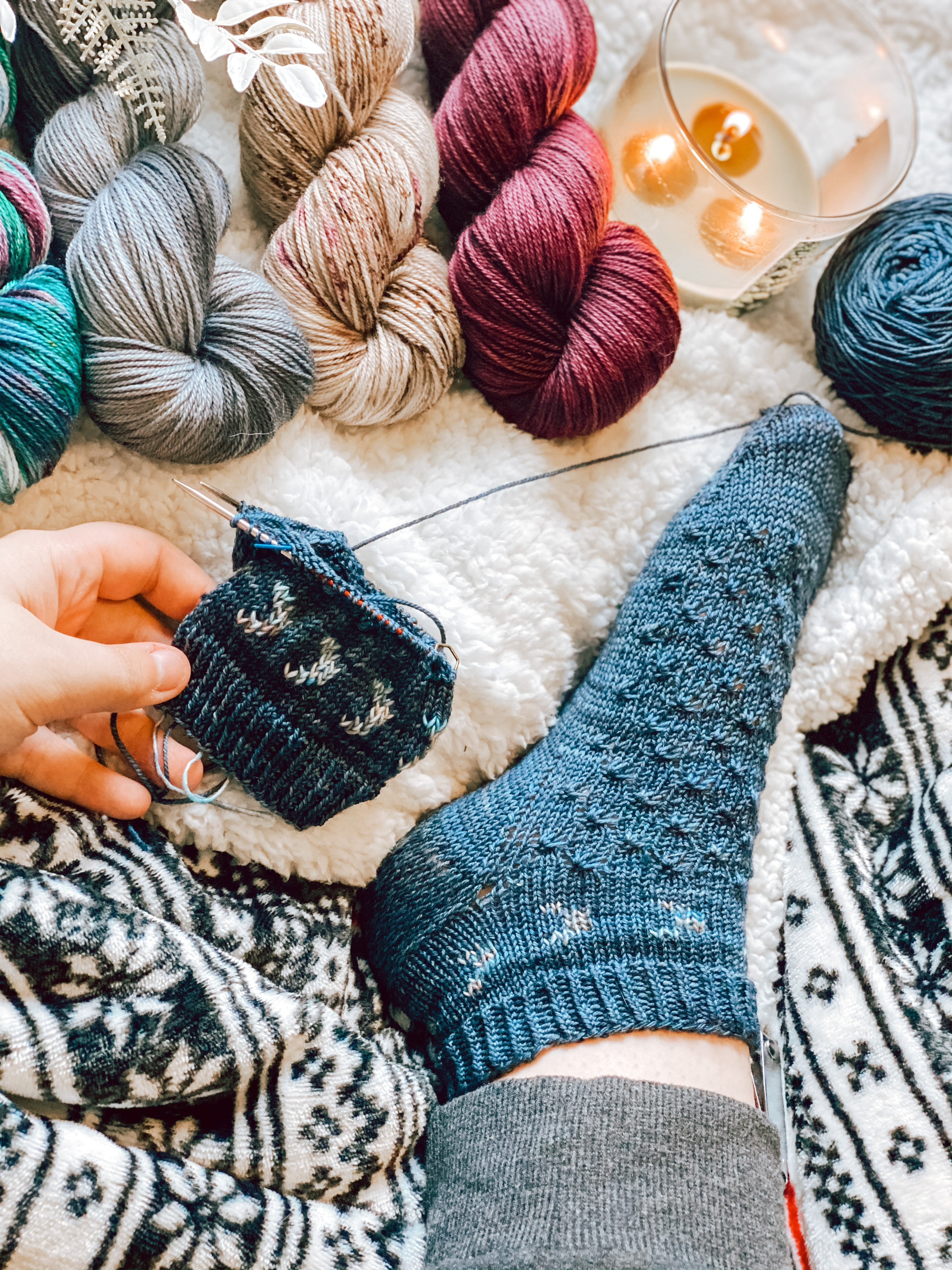 Crescent Moon Socks Kniting Pattern