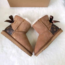 Load image into Gallery viewer, LV Ugg Boots Kids