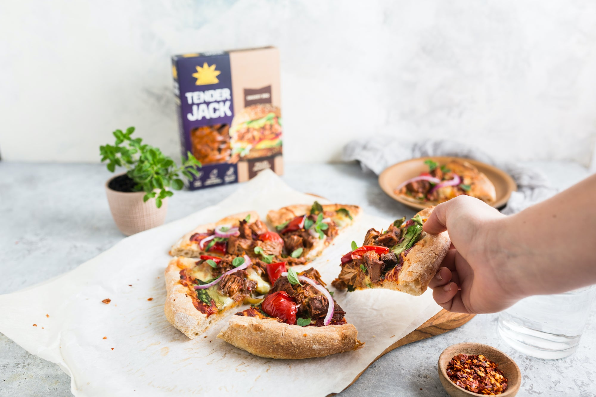 Vegan BBQ Jackfruit Pizza