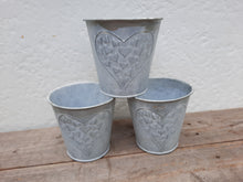 Load image into Gallery viewer, Embossed Heart Planters