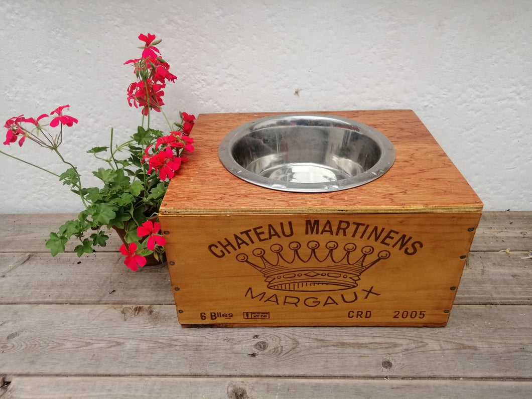 Wine Box Pet Feeder - Chateau Martinens Frontage