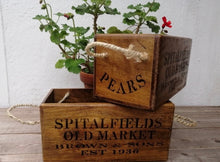 Load image into Gallery viewer, Spitalfields Old Market Box