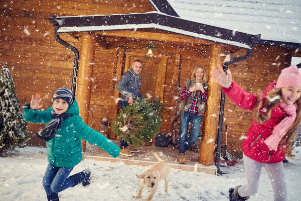 BRUSH ON BLOCK® image of family in snow