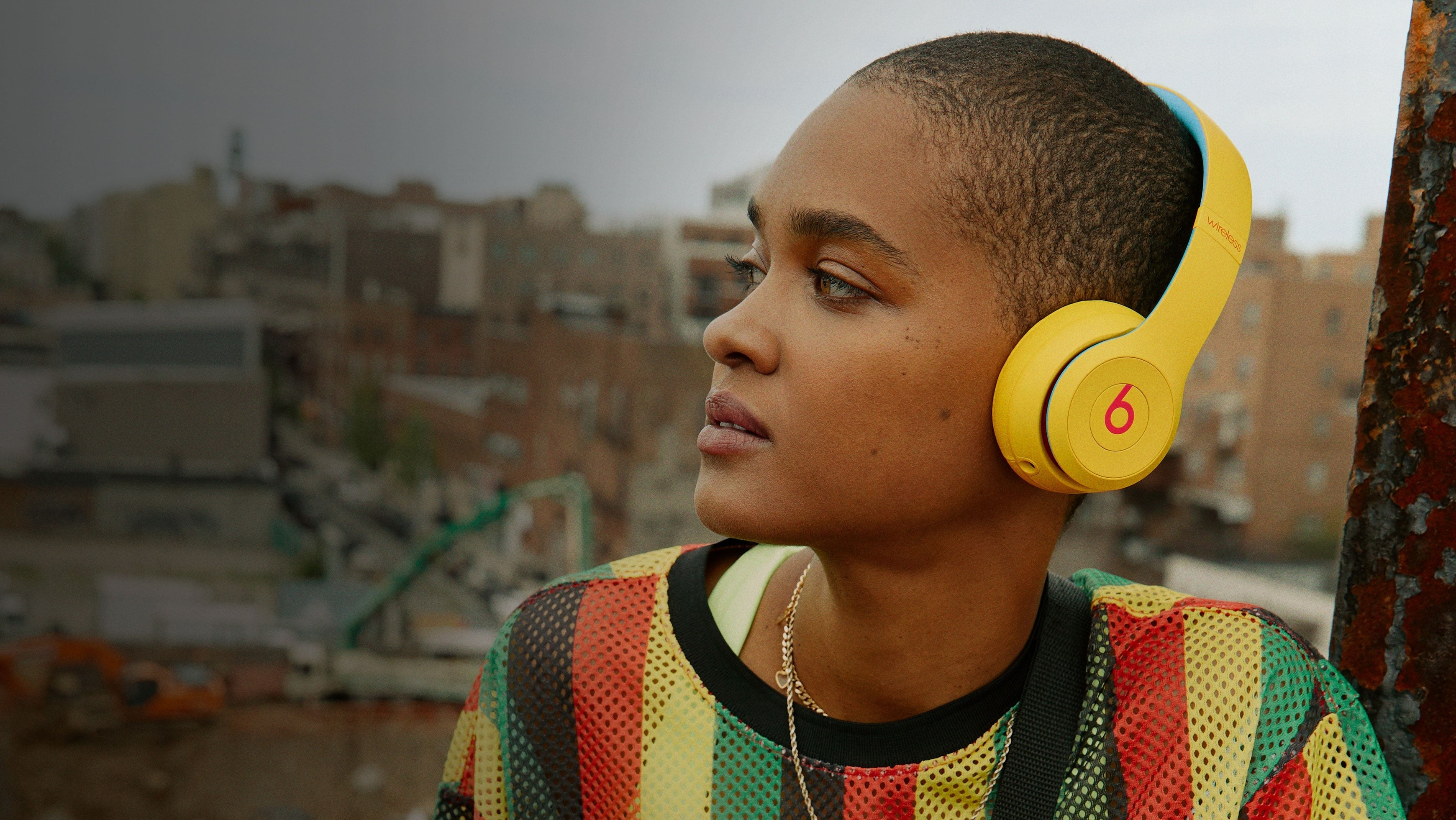 Beats Solo 3 Wireless - Headphones - Designed for sound. Tuned for emotion - Banner