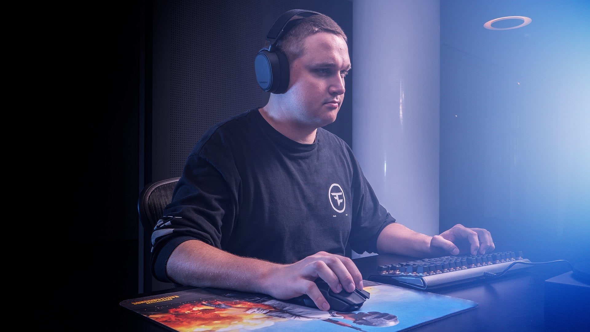 """Quantum Wireless - The all new state-of-the-art lag-free system delivers 1000Hz, 1ms latency, 24 hours of battery life, and tournament grade frequency optimization for unrivalled performance even during the most demanding gaming sessions.  -Anssi """"mxey"""" Pekkonen – FaZe Clan PUBG"""