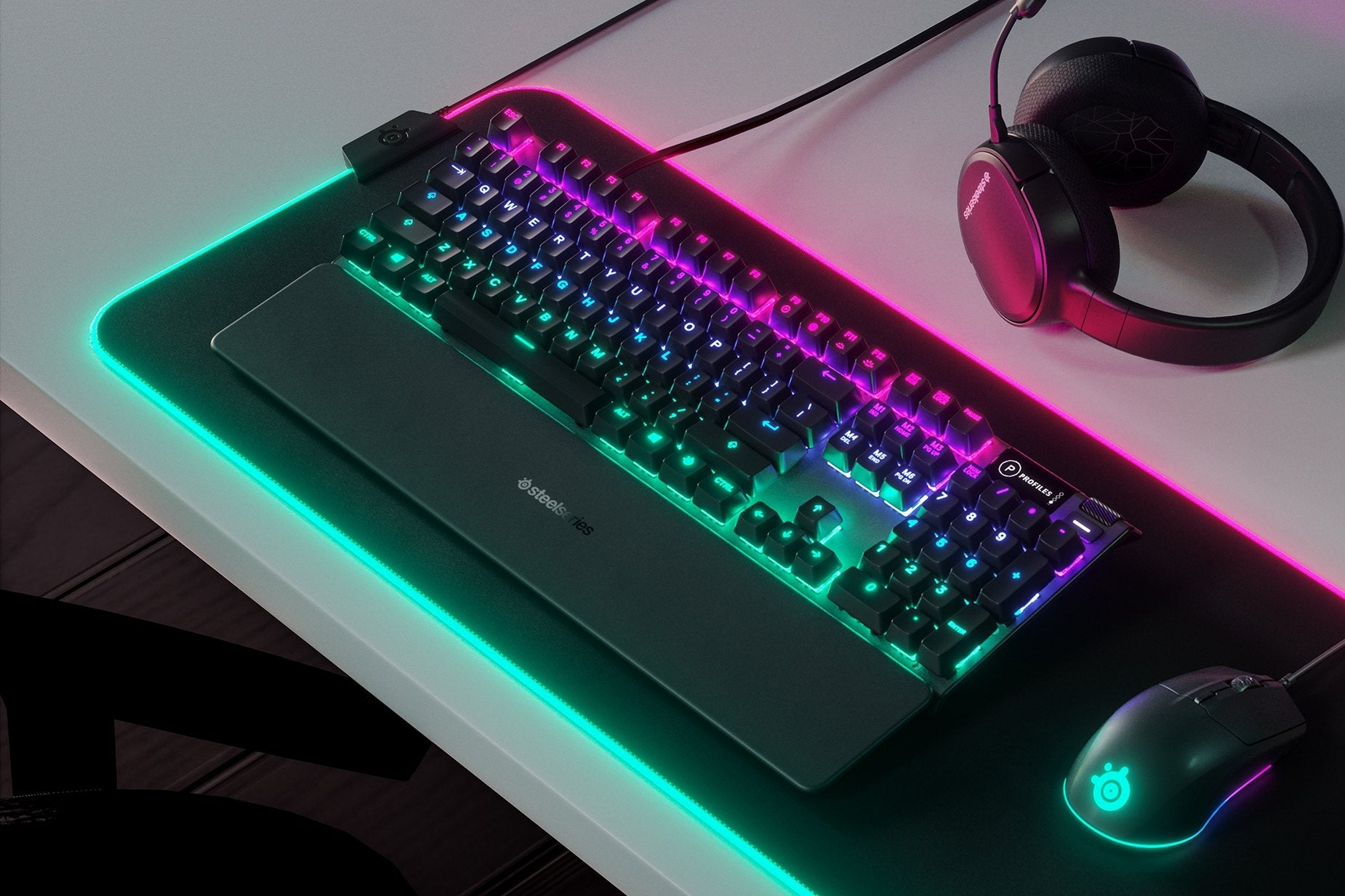 Dynamic Per-Key RGB Illumination - Millions of color options and reactive typing effects make you the designer of your ultimate setup. Sync up with your other SteelSeries gear for the most gorgeous setup ever.