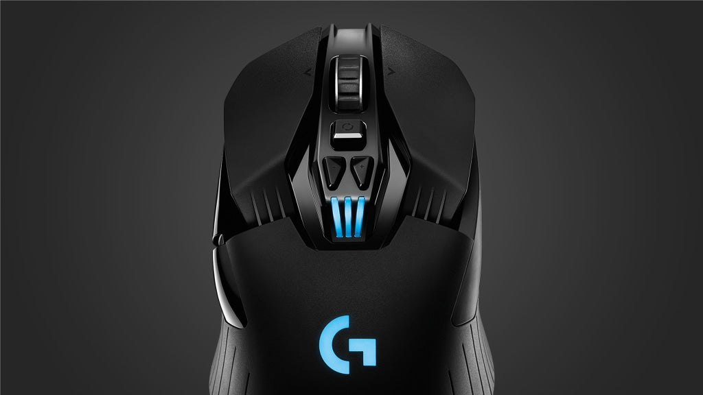 ONBOARD MEMORY - With onboard memory, you can take your settings with you wherever you go. Use Logitech Gaming Software to save your settings to the memory on the mouse and take them with you. Your saved settings will work on any PC without additional software or any login required.