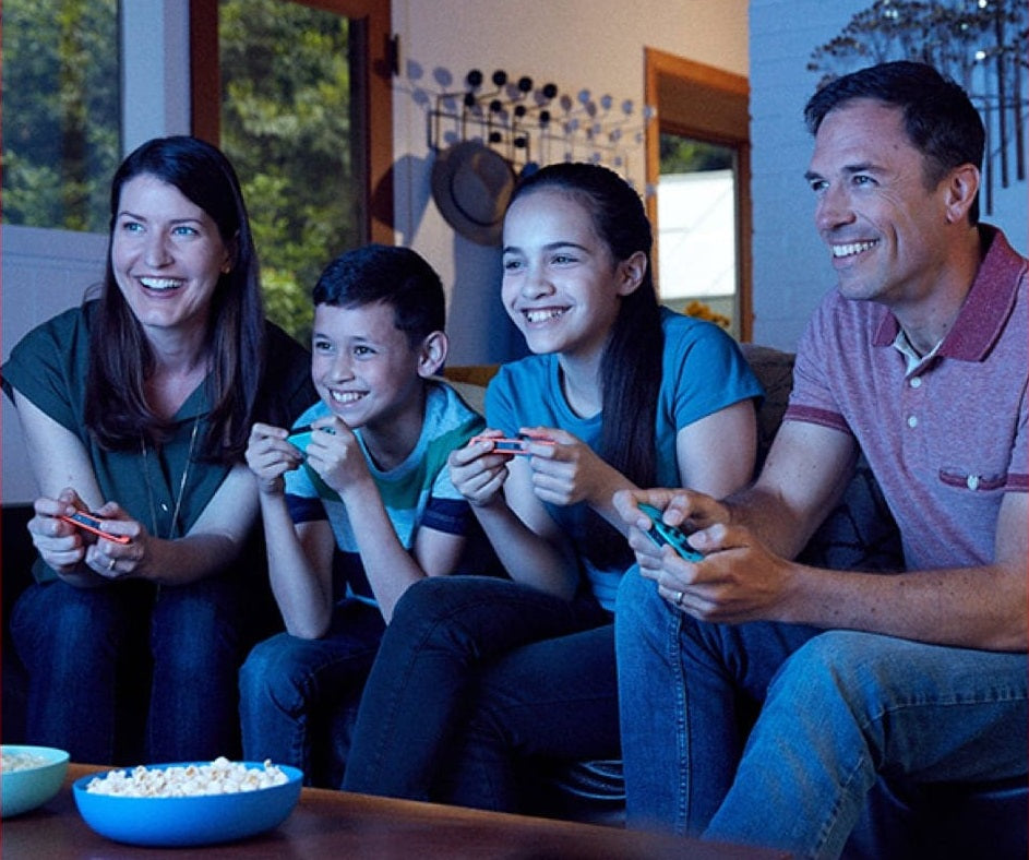 Better together: Multiplayer gaming options  Local co-op Play on the big screen at home with friends.**  Local wireless Link up to eight Nintendo Switch and Nintendo Switch Lite systems together to play multiplayer games anywhere.  Online play Team up or face off with others online in compatible games with a Nintendo Switch Online membership.
