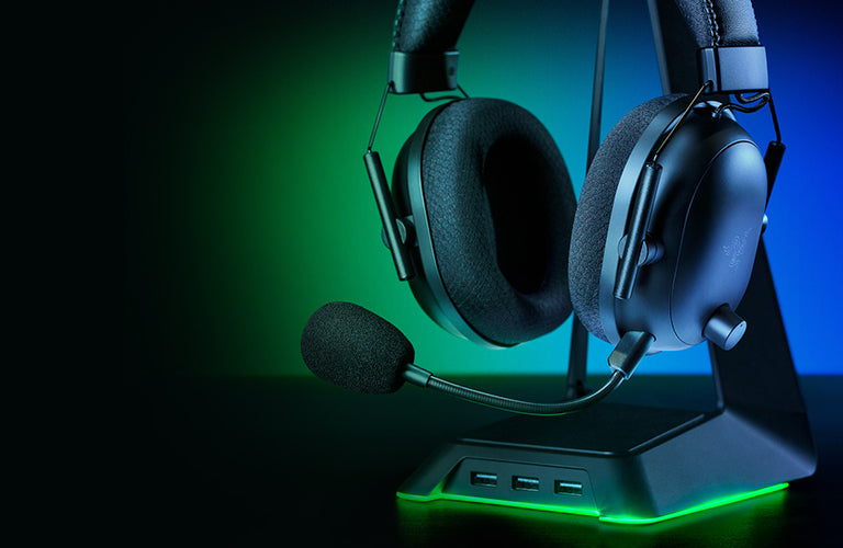 RAZER™ HYPERSPEED WIRELESS - With a high-speed transmission and extremely low latency, this wireless esports headset has an industry-leading 2.4GHz wireless connection to ensure lossless audio that'll always stay synced to your game.
