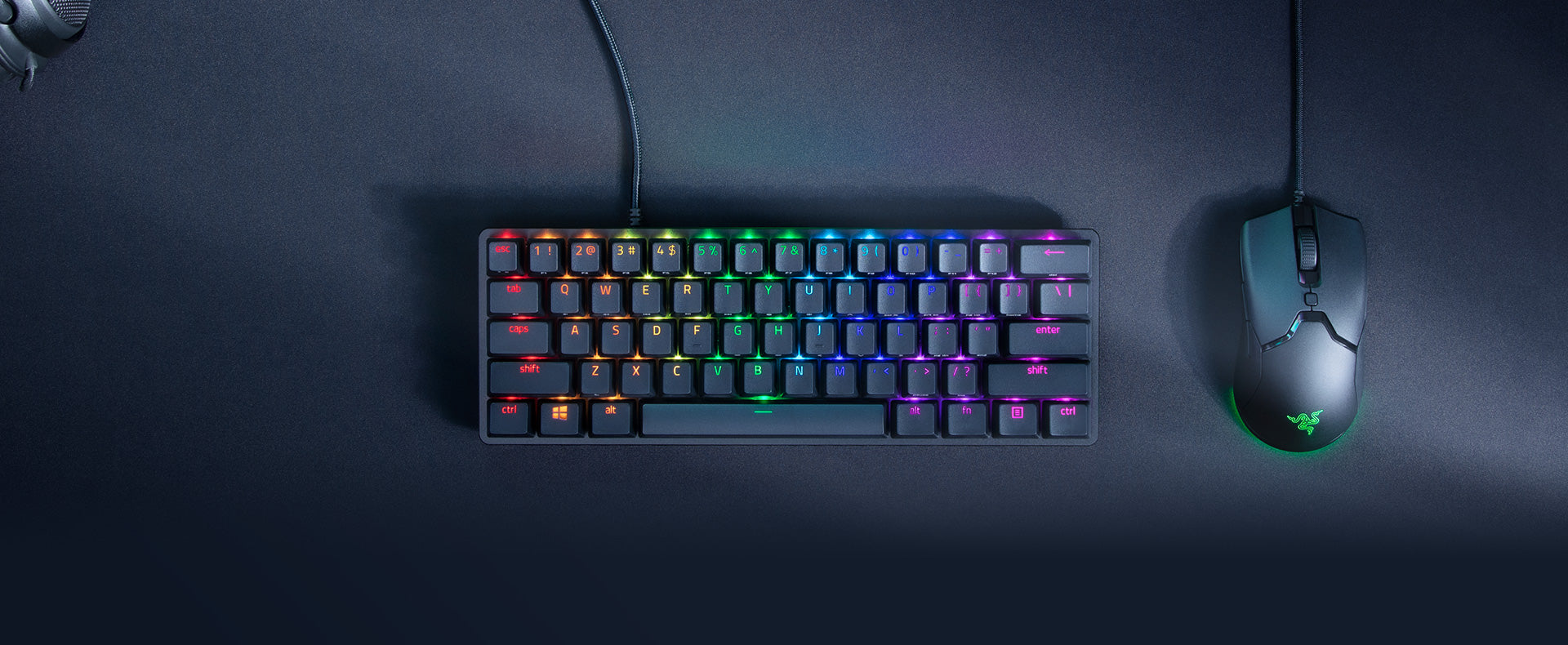 DOMINATE ON A DIFFERENT SCALE - Enter a new dimension of deadly with the Razer Huntsman Mini—a 60% gaming keyboard with cutting-edge Razer Optical Switches. Highly portable and ideal for streamlined setups, it's time to experience lightning-fast actuation in our most compact form factor yet.