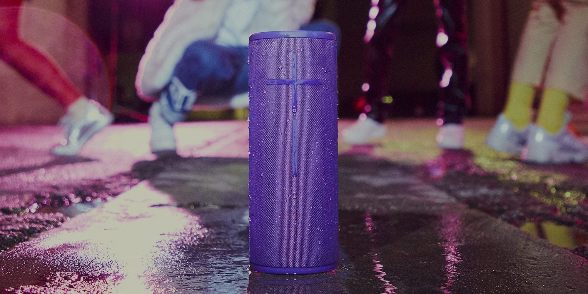 Ultimate Ears Boom 3 - Super-portable wireless Bluetooth® speaker: balanced 360° sound, deep bass, one-touch music control, water, dust & drop proof, and stunning high-performance fabric. It's the ultimate go-anywhere speaker.