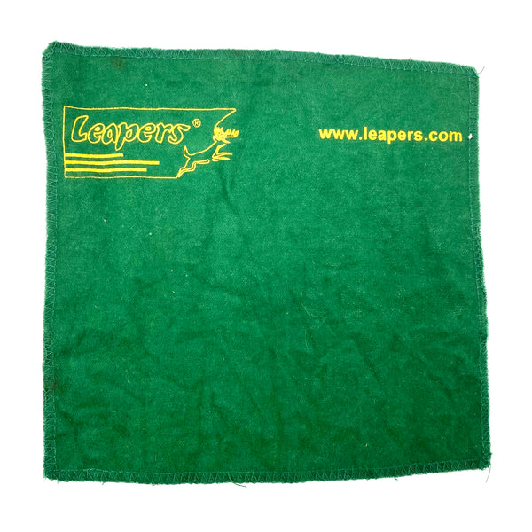 Leapers Lens Cleaning Cloth (sold by private seller fulfilled by D&L)