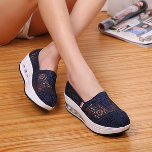 2019 Woman Casual Shoes Women Hollow Floral Breathable Mesh Lace Casual Shallow Shoes Ladies Platform Thick Heel Sole Shoes