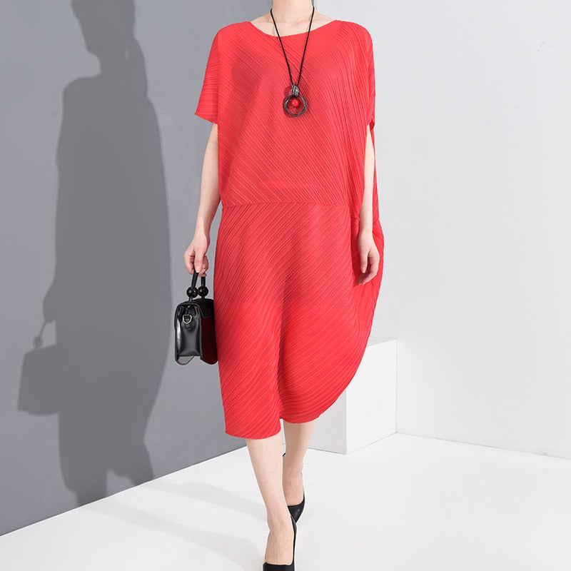 LANMREM 2020 New Summer Round Neck Batwing Short Sleeves Loose Plus Size Over Knees Length Pleated Dresses TC04303