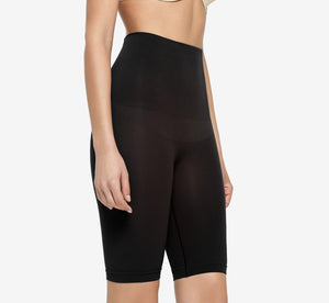 Harlo Mid Waist Short In Black