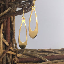 Soma's Earrings-[recycled]-[fair trade]-Mosami-ethical-fairtrade-mindful-conscious-ecofriendly-recycled