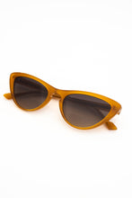 Load image into Gallery viewer, BON BON Sunglasses - Fangerz