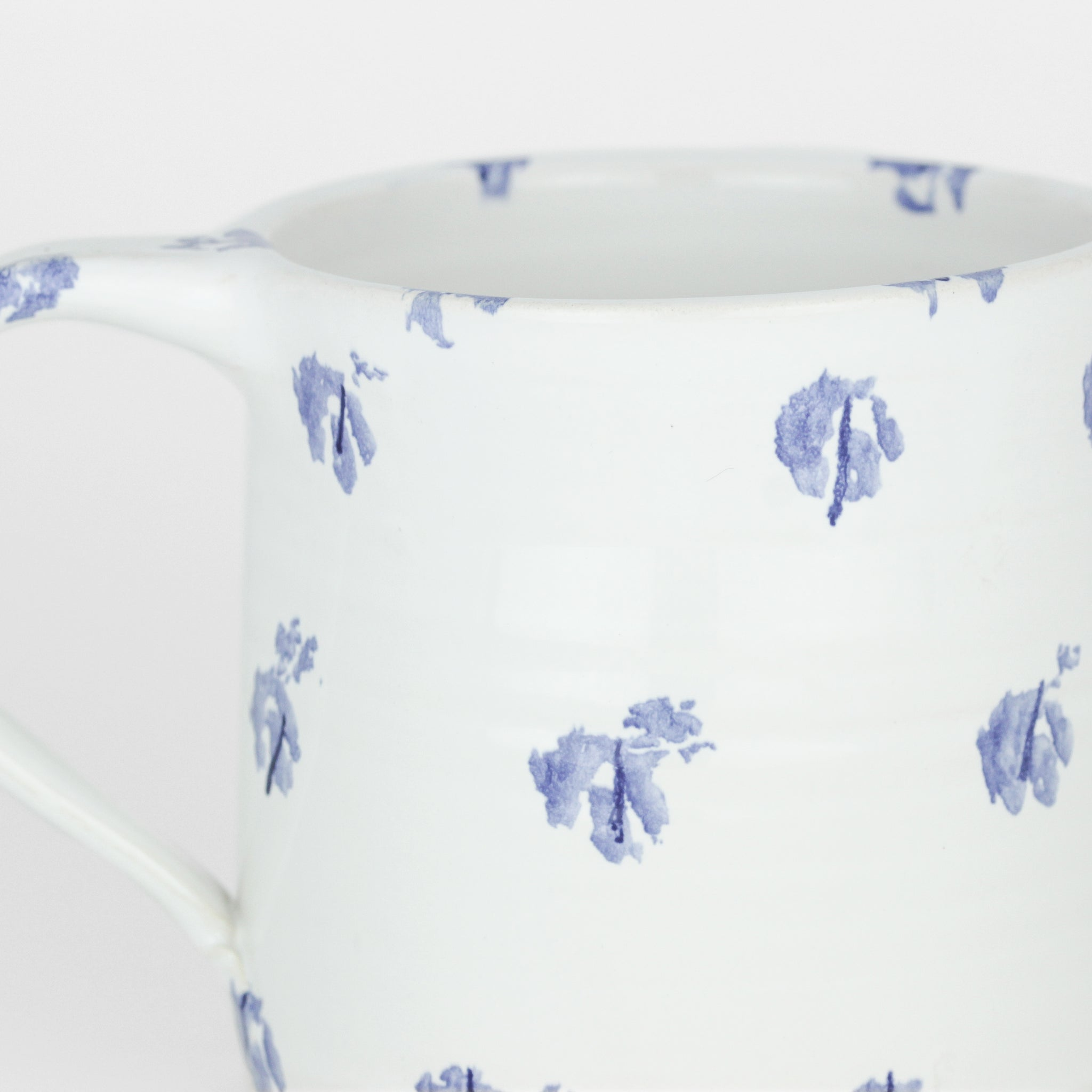 Large Cup, Traditional Blue Sponged