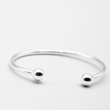Load image into Gallery viewer, SILVER maiden torque bangle