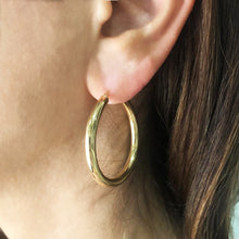 Load image into Gallery viewer, 9k GOLD Hoop earrings