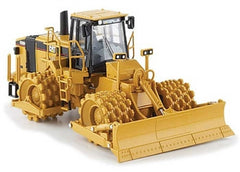 1:50 Norscot 55165 Cat 825H Soil Compactor