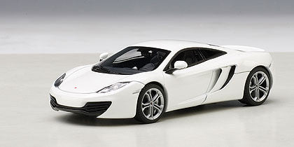 1/43 AUTOART 56009 MCLAREN MP4-12C (WHITE)